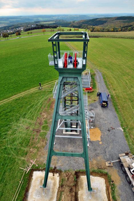 Förderturm mit Aussichtsplattform auf der Steinerberger Höhe.