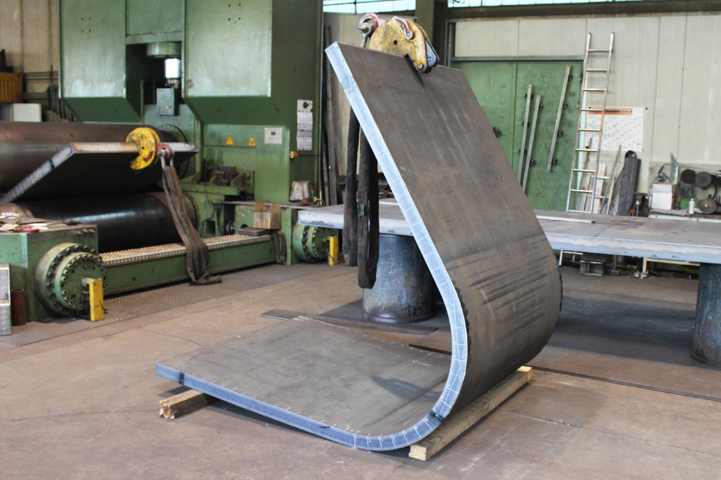 Bent part for press frame made of construction steel, sheet thickness 80 mm