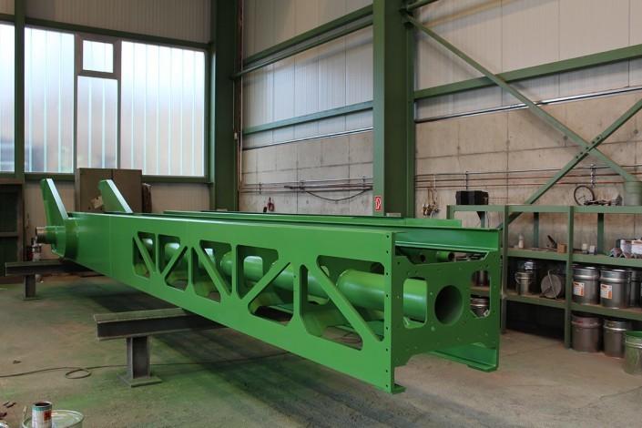 Clay conveyor