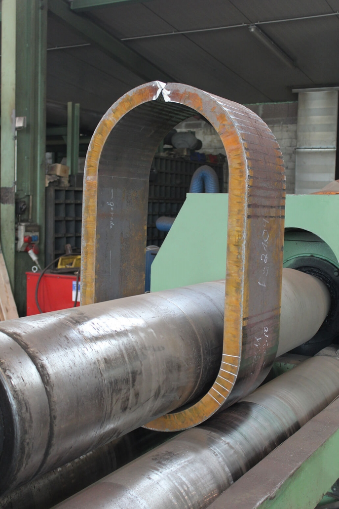 Oval tube in bending machine
