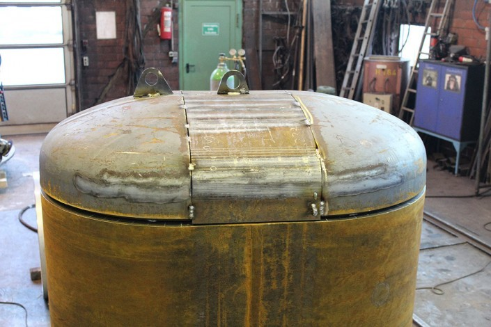 Oval vessel with a torispherical head