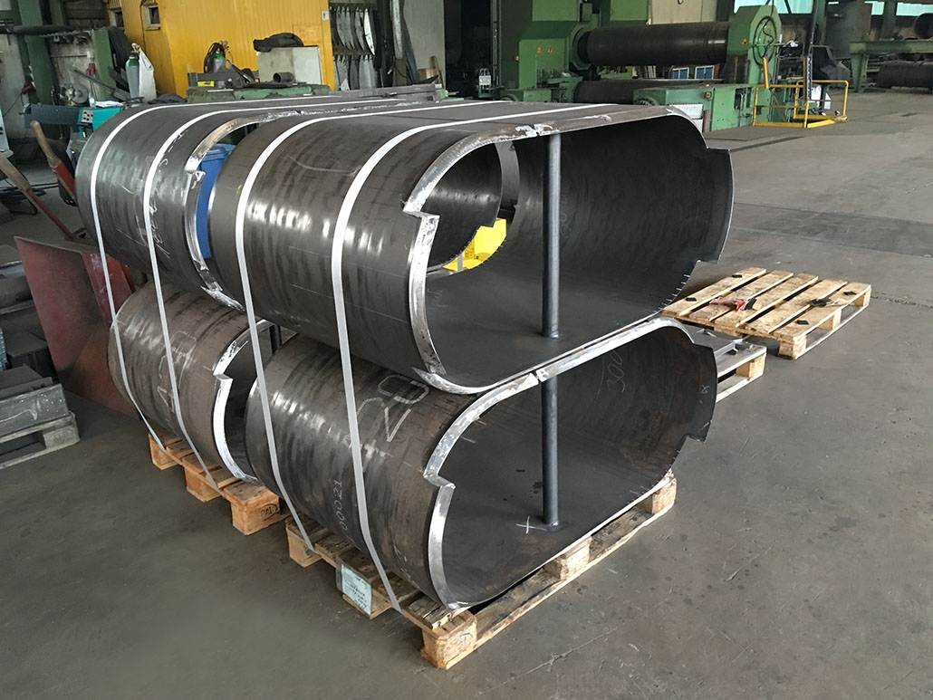 Pipe sections of fine-grained structural steel (S690QL)