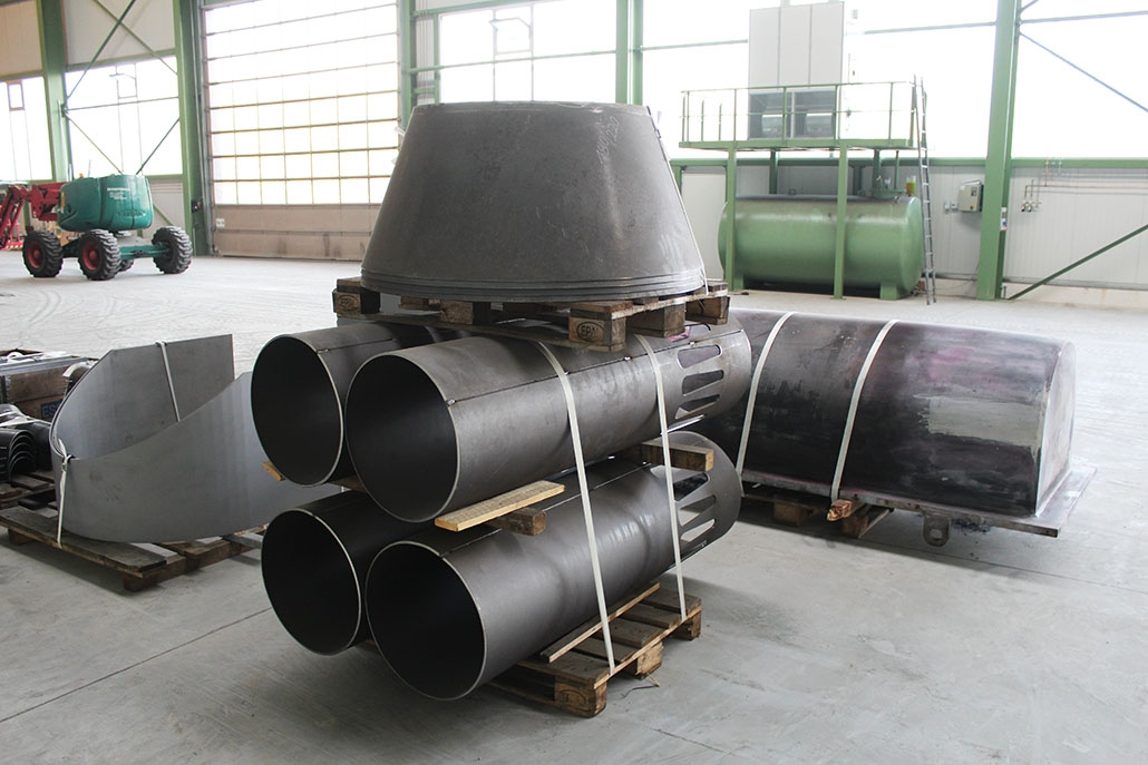 Pipe sections and cones made of heat-resistant construction steel (16Mo3)