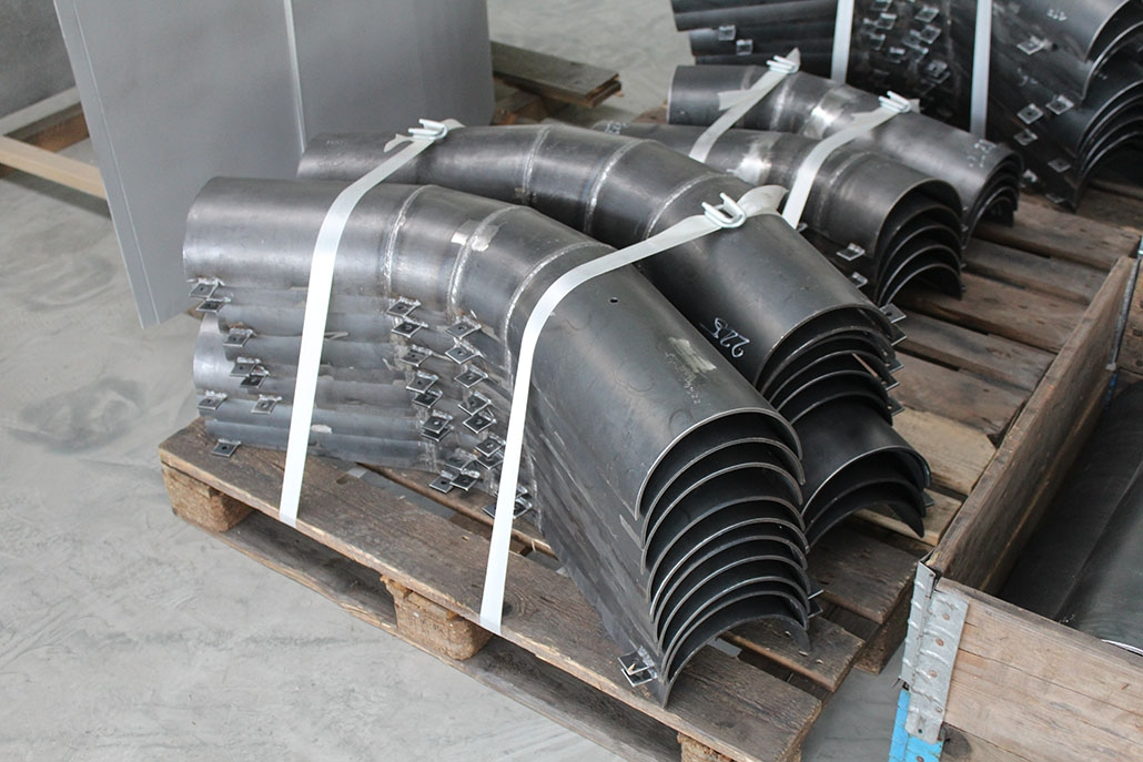 Protection tubes for pipelines