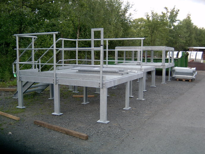 Production of a platform (galvanized)