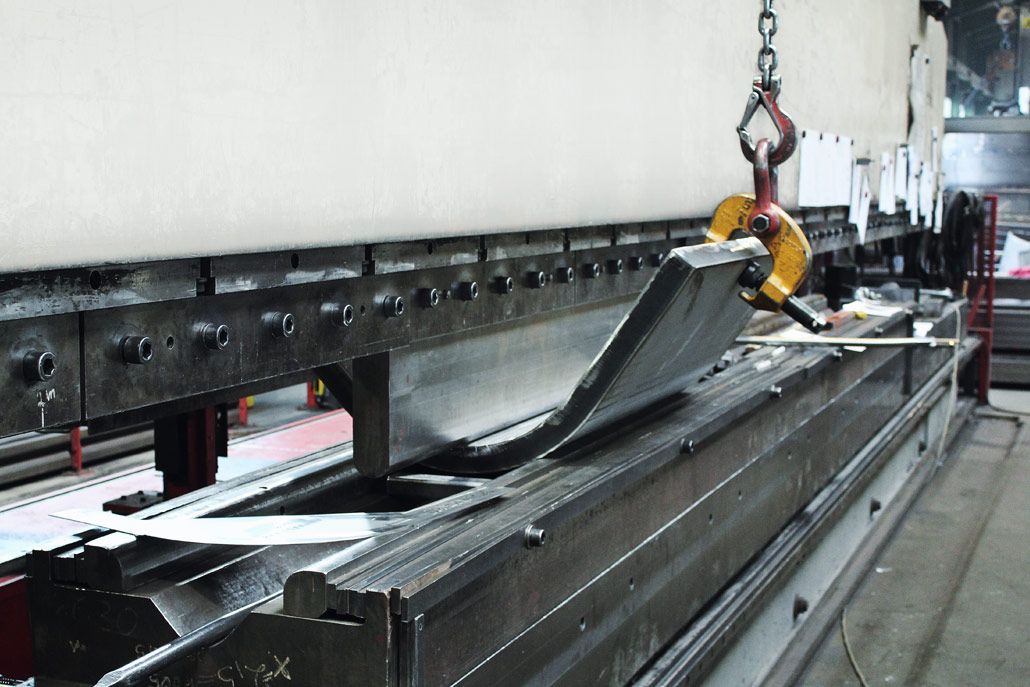 Das Abkanten ist in der modernen Umformtechnik eines der wichtigsten Verfahren